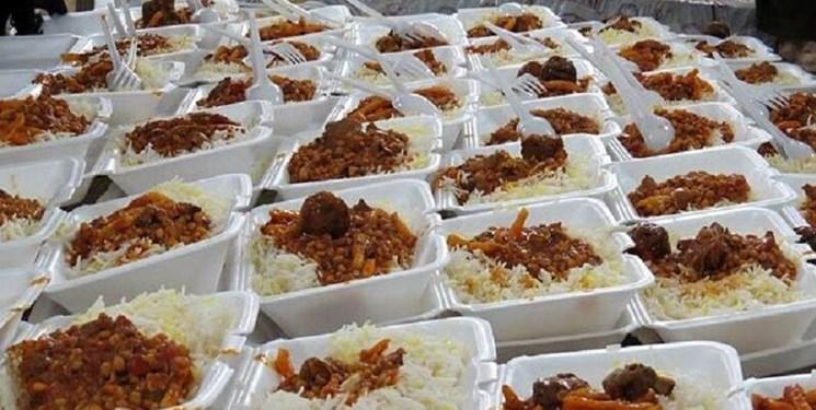 کمک مؤمنانه| از تعمیر لوازم خانگی تا طبخ ۴ هزار پرس غذا برای محرومان در قم