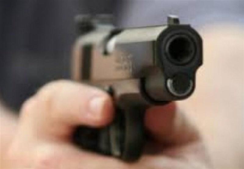 اسلحه کشی به خاطر یک مشت دلار