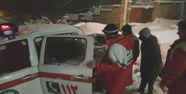 امدادرسانی به ۱۲ نفر از آسیبدیدگان برف و کولاک و کوهستان