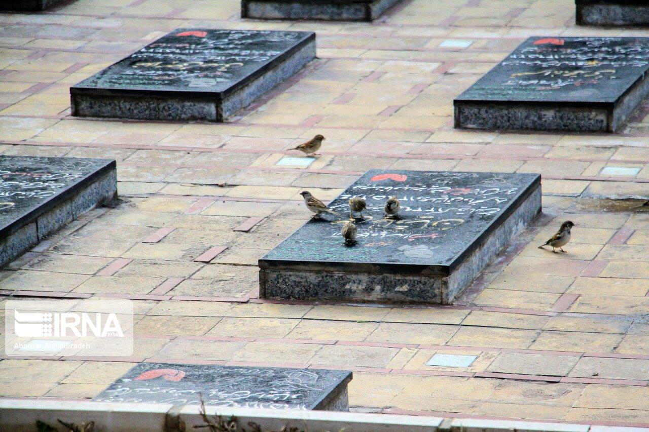 قبر داخل شهر قم ۵۰ میلیون تومان به فروش میرسد