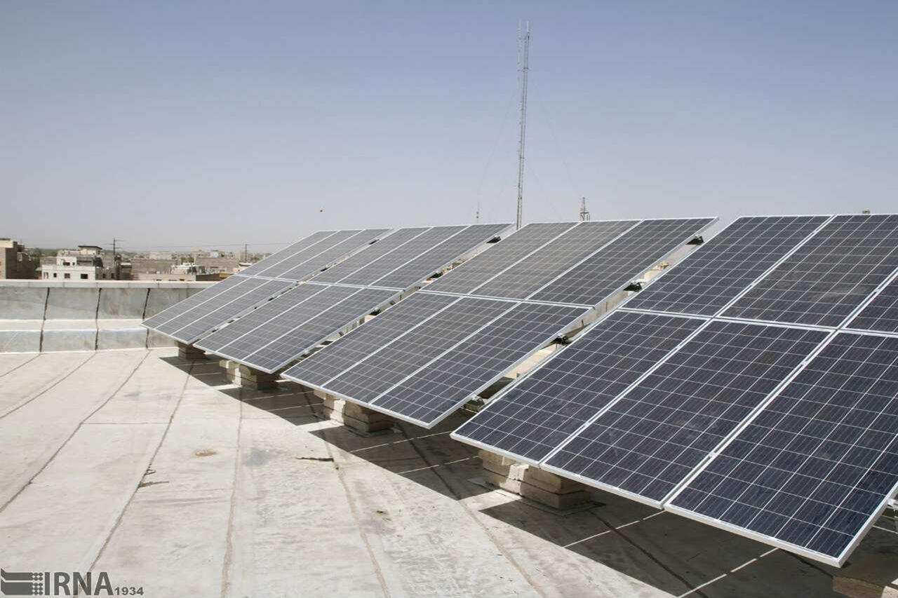۱۱ نیروگاه خورشیدی دربقعههای متبرک قم آماده بهرهبرداری است