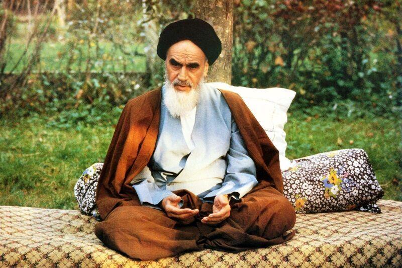 آینده روشن انقلاب با پیروی از راه امام واقع خواهد شد