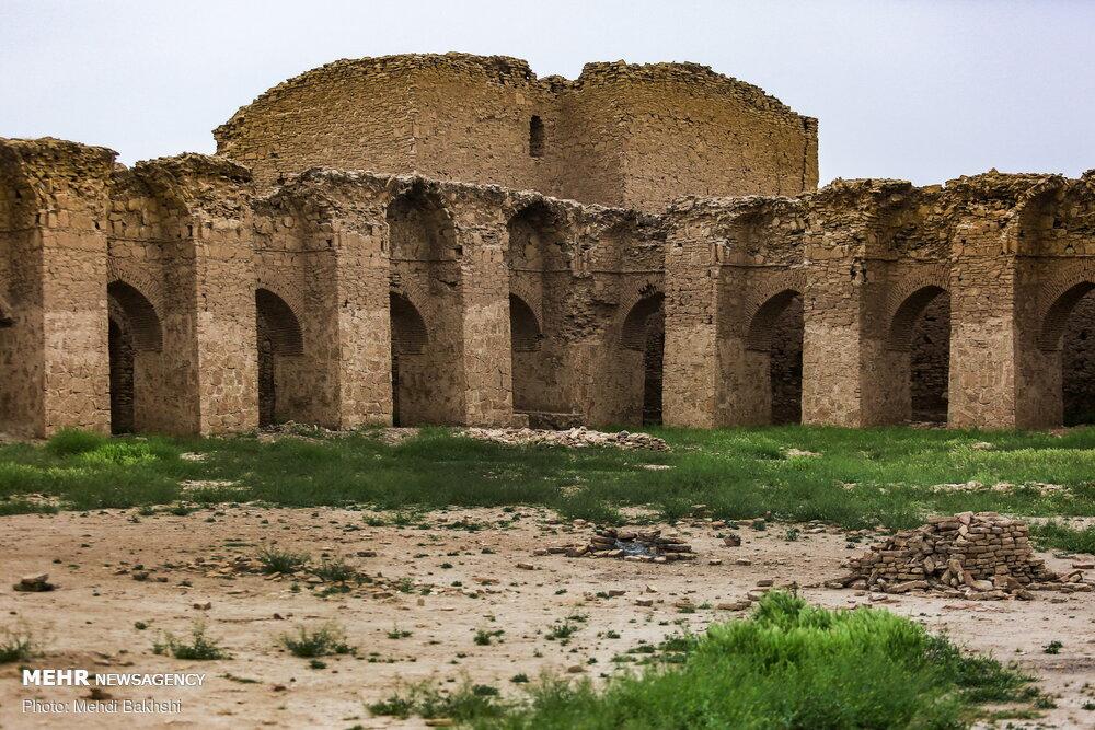 حال ناخوش کاروانسرای تاریخی محمدآباد قم